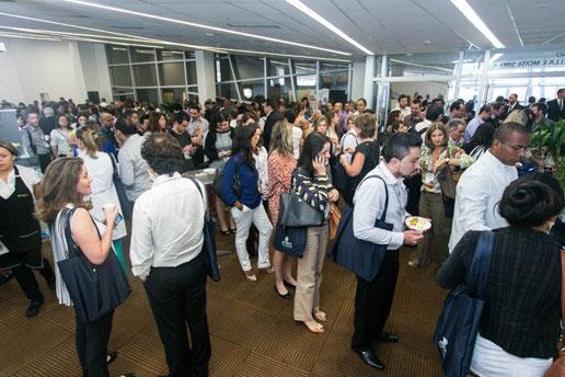 Vista do público durante o break, no Simpósio Internacional.