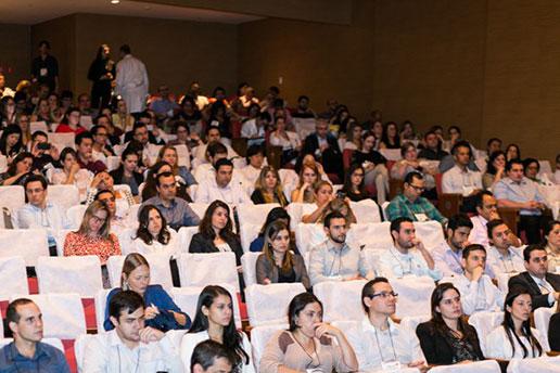 Vista do público na platéia durante o Simpósio Internacional.
